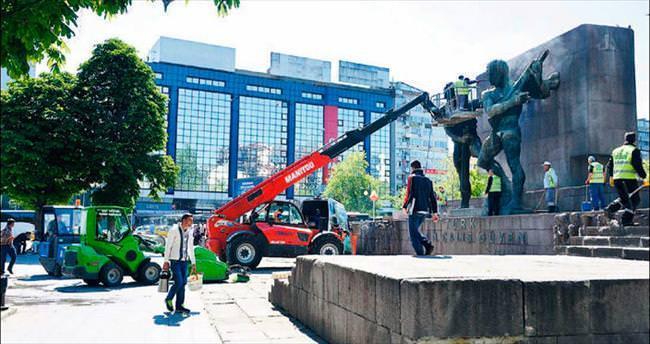 Tarihi anıtlara baştan aşağı yaz temizliği