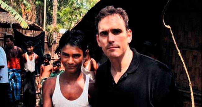 ABD'li aktörden Rohingya Müslümanları'na anlamlı ziyaret