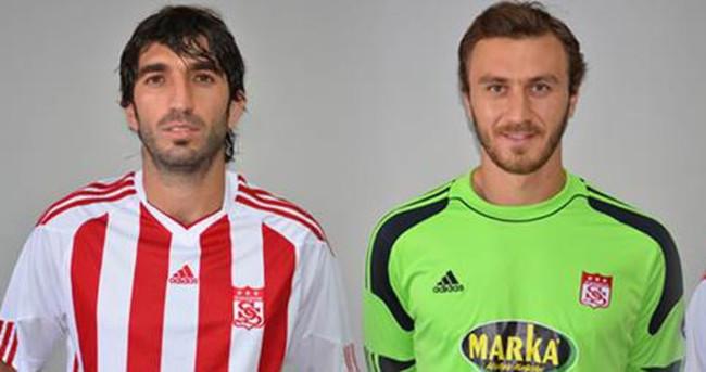 Sivasspor, 3 futbolcuyla sözleşme yeniledi
