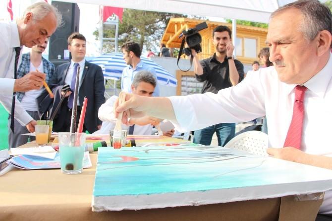 Başkan Yılmaz, Resim Şenliği'nde Yağlı Boya Resim Yaptı