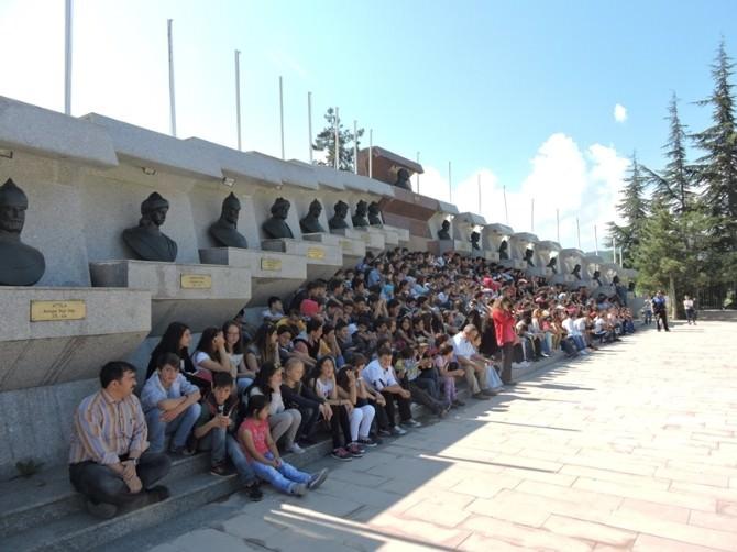 344 Öğrenciye Bilecik Gezisi