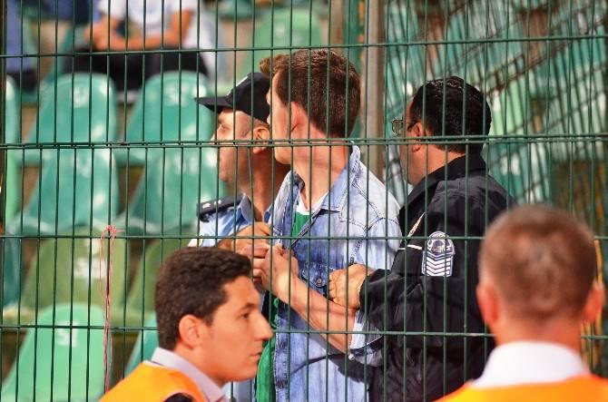 Bursaspor Formasıyla, Galatasaraylıların İçine Girince Olaylar Çıktı