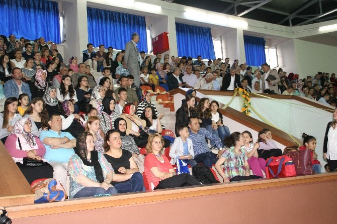 Devrek Hamidiye Anadolu Lisesi'nden Mezuniyet Töreni