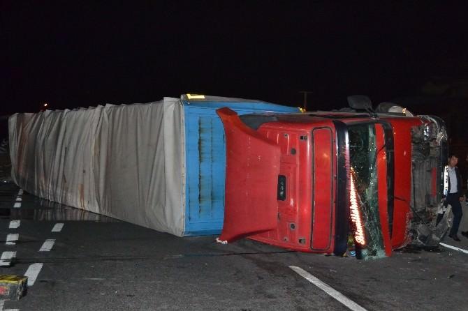 (Kocaeli-özel) Mültecileri Taşıyan Otobüs İle Tır Kaza Yaptı