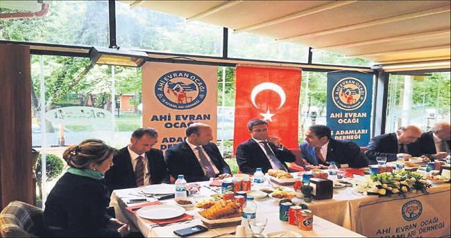 İşadamlarından AK Parti'ye tam destek