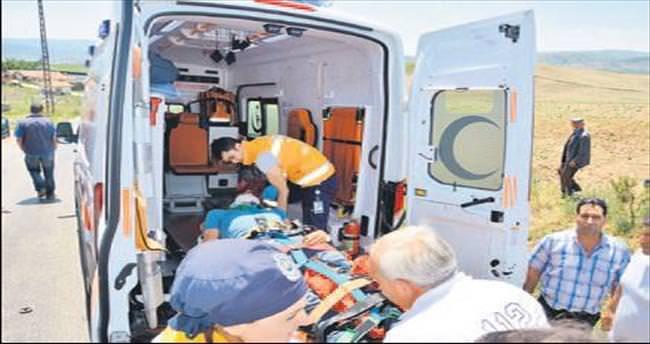 Köy yolunda kaza: 8 yaralı
