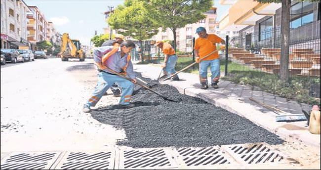 Pursaklar'da asfalt işleri sürüyor
