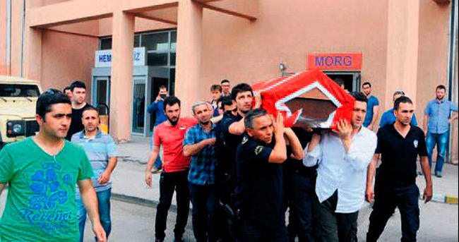 Şırnak'ta panzer devrildi: 1 şehit