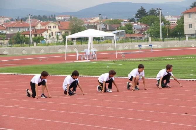 """Bolu'da """" Atletizmle Geleceğe Projesi"""" Ödül Töreni Yapıldı"""