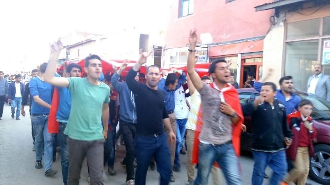 Pasinler'de HDP'ye Büyük Tepki