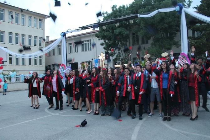Tarihi Erzincan Lisesi 65. Mezunlarını Coşkuyla Uğurladı