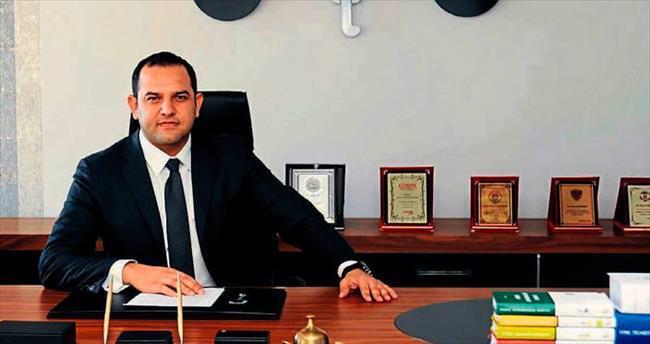 Mersin'de Paralel'in pislikleri dökülüyor