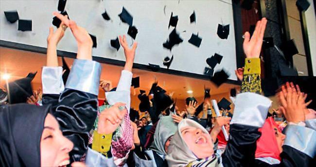 28 Şubat mağdurlarının mezuniyet heyecanı