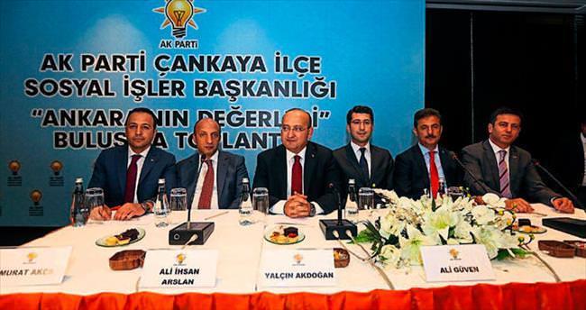 'Türkiye'yi yoğun bakımdan AK Parti iktidarı kurtardı'