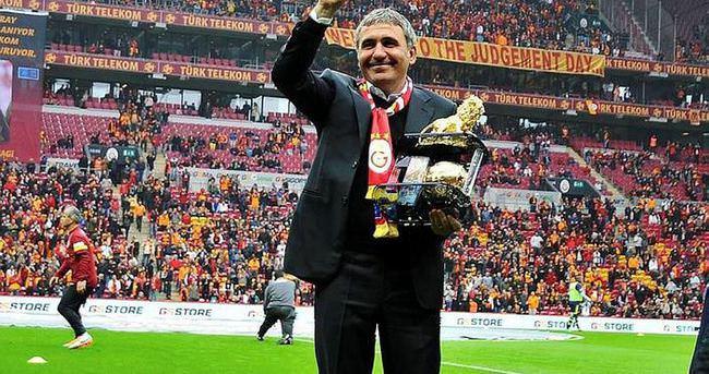Hagi'den şampiyon Galatasaray'a tebrik