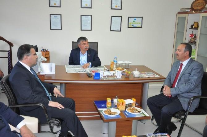 Milli Savunma Bakanı Yılmaz, İhlas Grubu'nu Ziyaret Etti