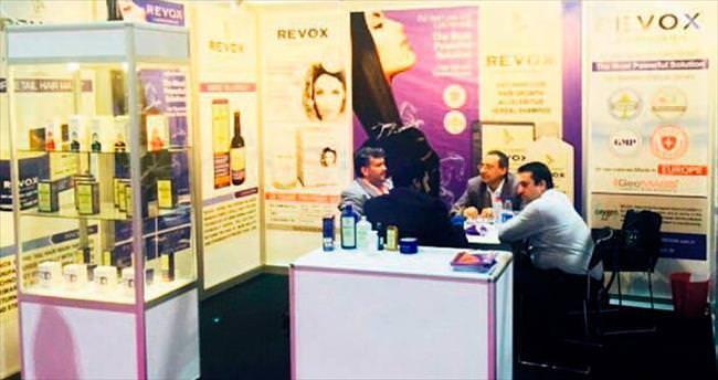Arap kadınları Revox kullanıyor