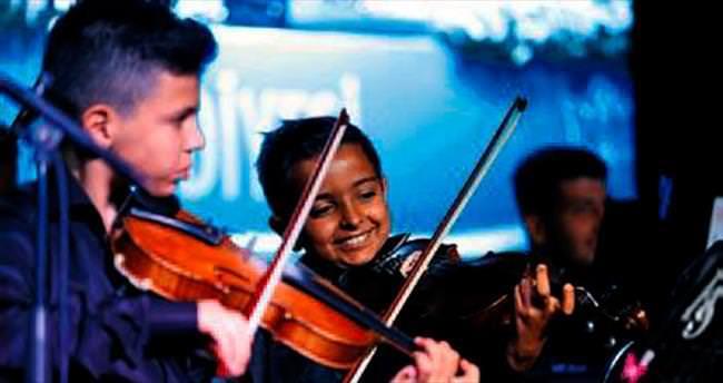 Bizim orkestra müzik şöleni yaşattı