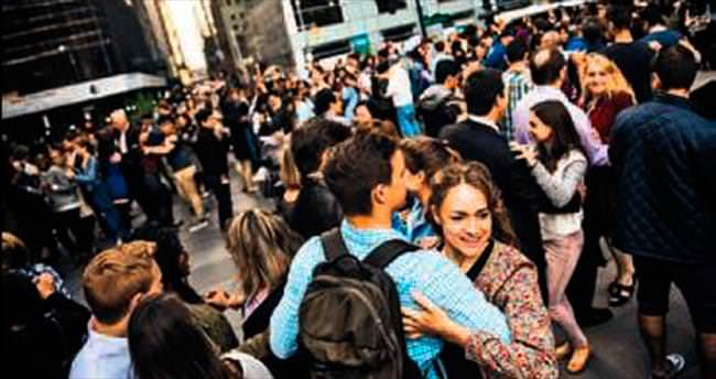 New York'ta halka bedava tango dersi