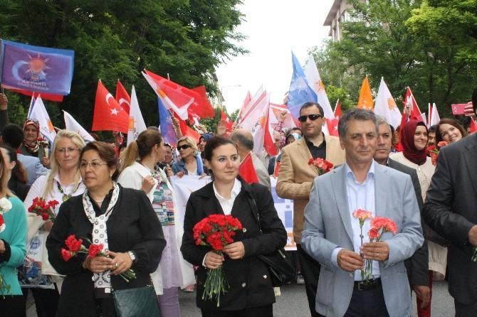 AK Partili Vekil Adaylarından Bakırköy'de Sevgi Yürüyüşü