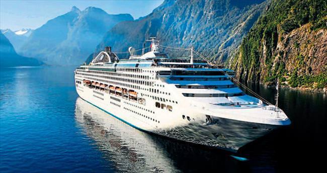 Denizde beş yıldızlı otel keyfi
