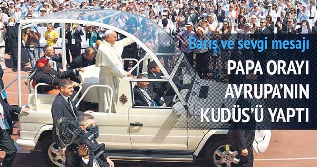 Papa, Bosna'da barış mesajı verdi