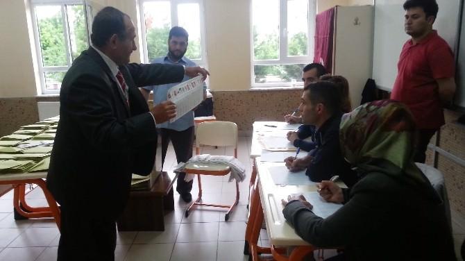 Başbakan Davutoğlu'nun Oy Kullandığı Sandıkta AK Parti Birinci