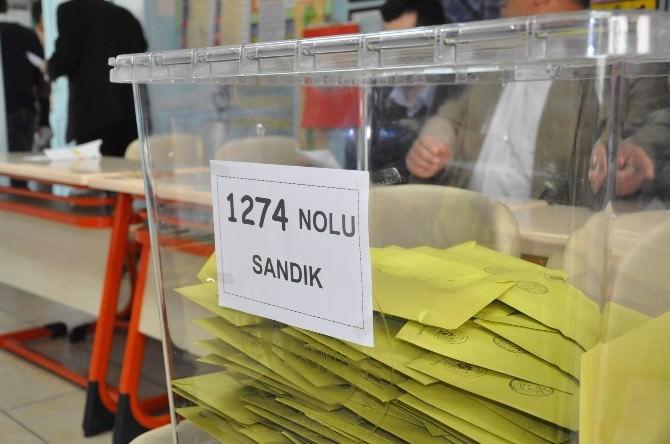 Milli Savunma Bakanı Yılmaz'ın Oy Kullandığı Sandıktan AK Parti Çıktı