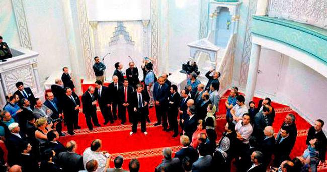 Brüksel'deki Türk eseri cami açıldı