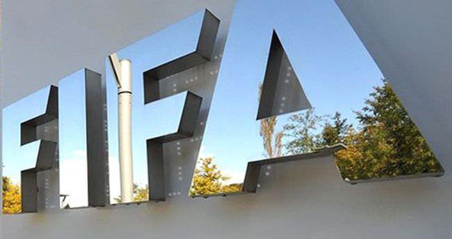 FIFA'da yolsuzluk depremi sürüyor