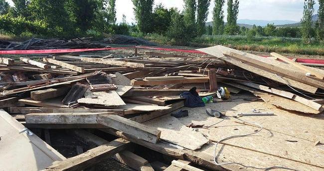 Denizli'de inşa halindeki çatı çöktü: 1 ölü