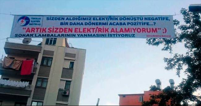 Elektrik kesintisine pankartlı protesto