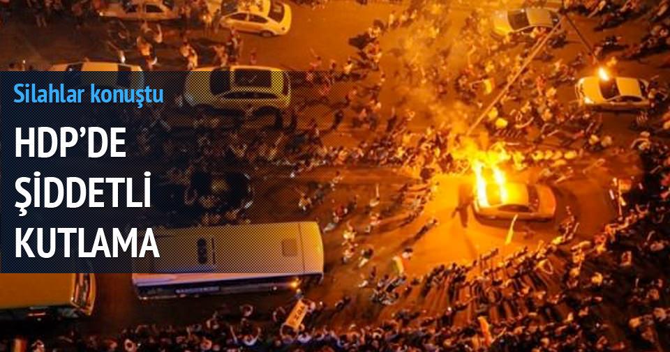 HDP'de şiddetli kutlama