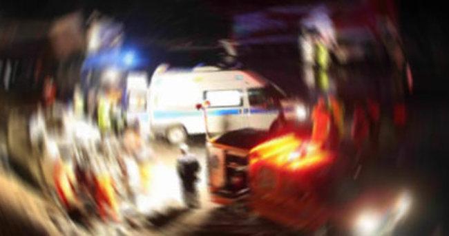 Sakarya'da otomobil TIR ile çarpıştı: 5 ölü