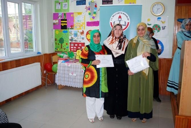 Çocuk Eğitimcileri Sertifikalarını Aldı