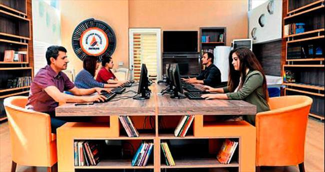 Bilgisayarda 4 bin kitap