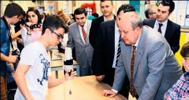 Öğrenciler bilim projeleriyle yarıştı
