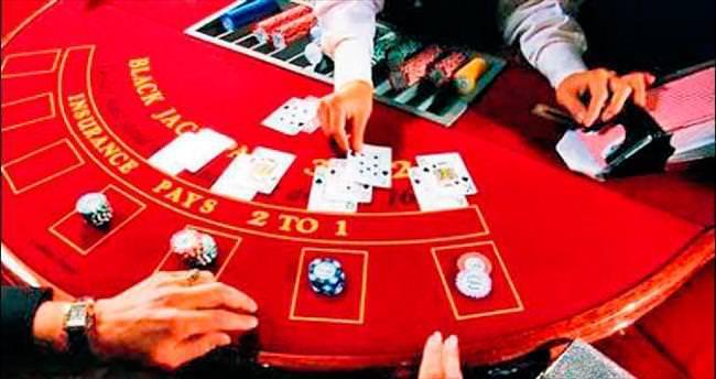 Düğün süsüyle kumar oynayanlara baskın