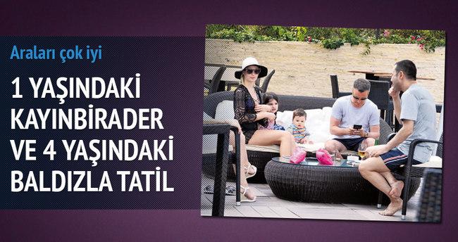 Serdar Ortaç'ın aile boyu Bodrum tatili