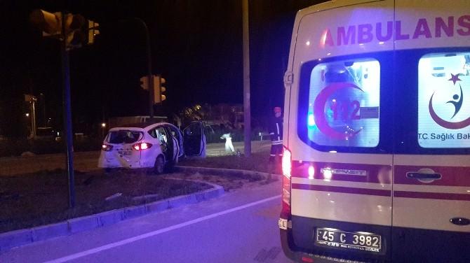 Kula'da Kaza:1'i Çocuk 3 Yaralı