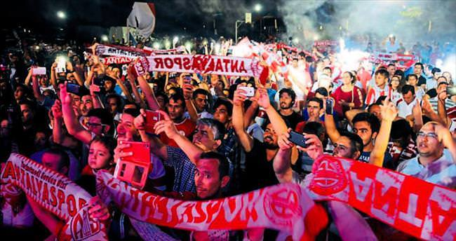Antalyaspor tek vücut