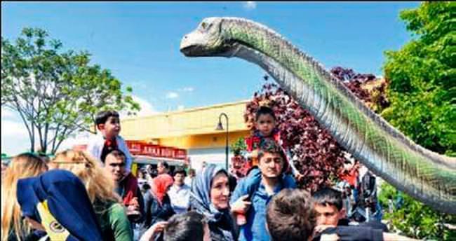 Dinozor haberine belediyeden yanıt