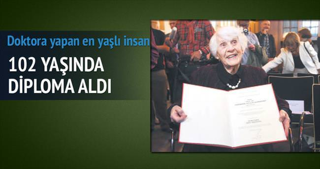 Naziler'in vermediği diplomayı 102 yaşında aldı