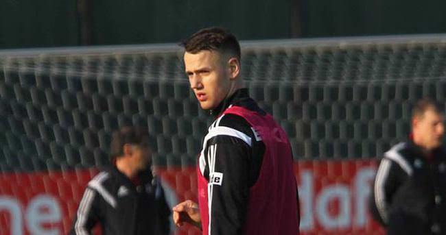 Uzun yıllar Beşiktaş'ta oynamak istiyorum