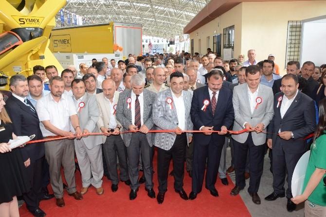 Aksaray'da Sanayi, Ticaret Ve Turizm Fuarı Açıldı