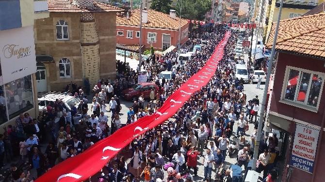 Demirci'de Dev 'Mezuniyet Yürüyüşü'