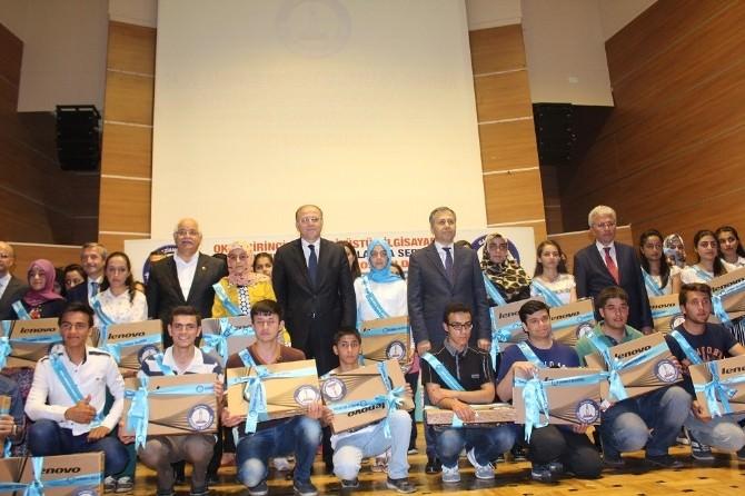 Şahinbey Belediyesi'nden 118 Okul Birincisine Dizüstü Bilgisayar
