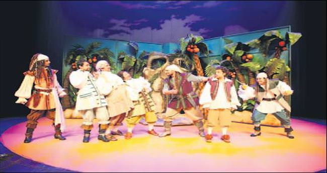 Şehir Tiyatroları'ndan çocuklara karne hediyesi