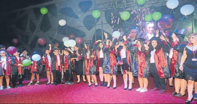 Has Koleji'nde ilk mezuniyet sevinci