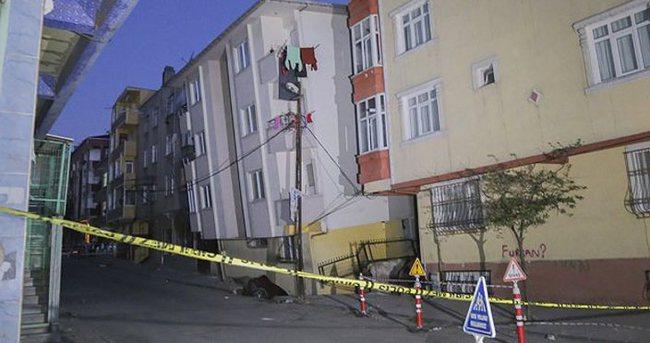 İstanbul'da 5 katlı bina yan yattı